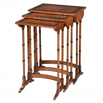 Antique style Nest of three tables - Mahogany