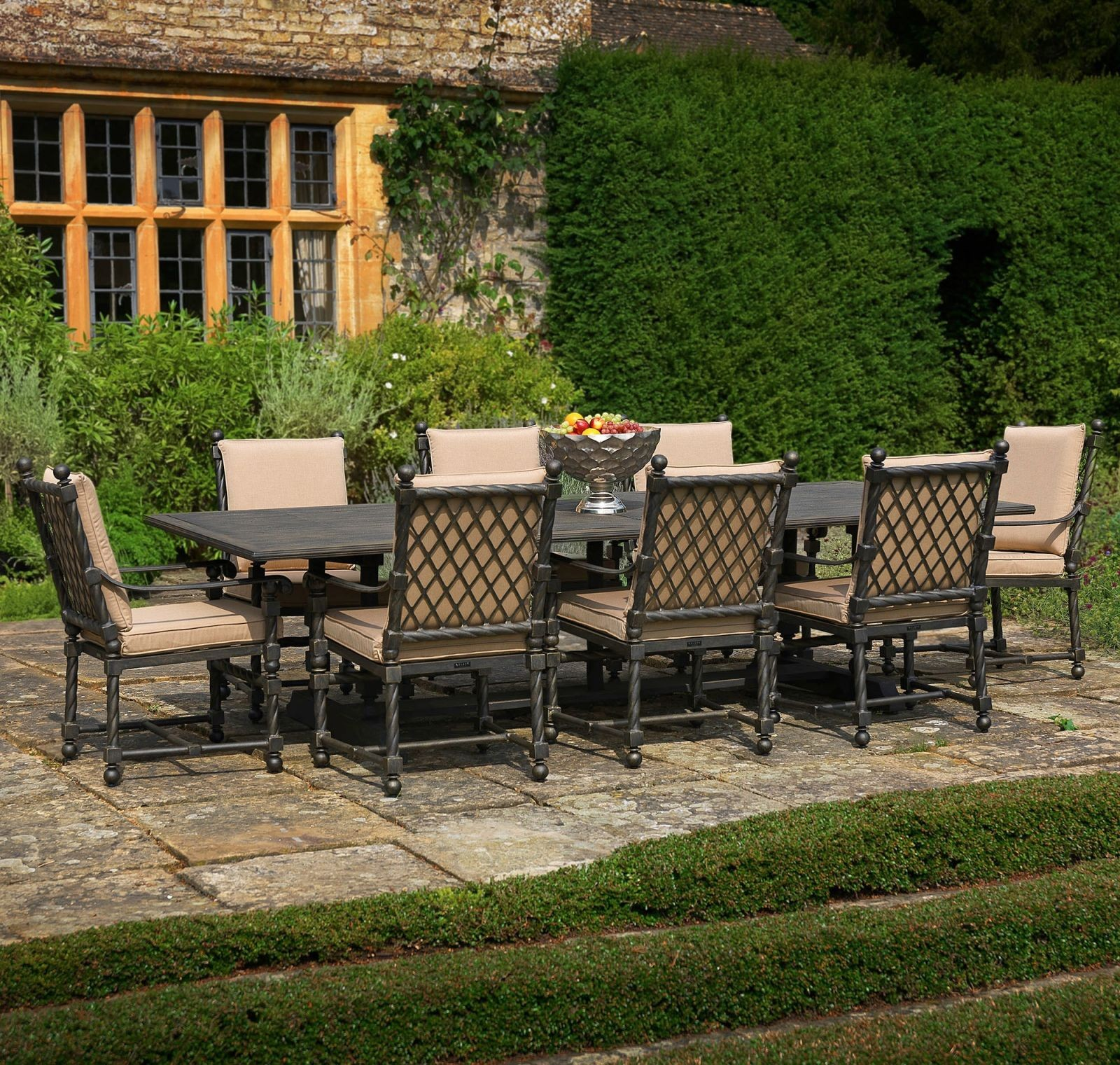 Bretain metal outdoor dining set